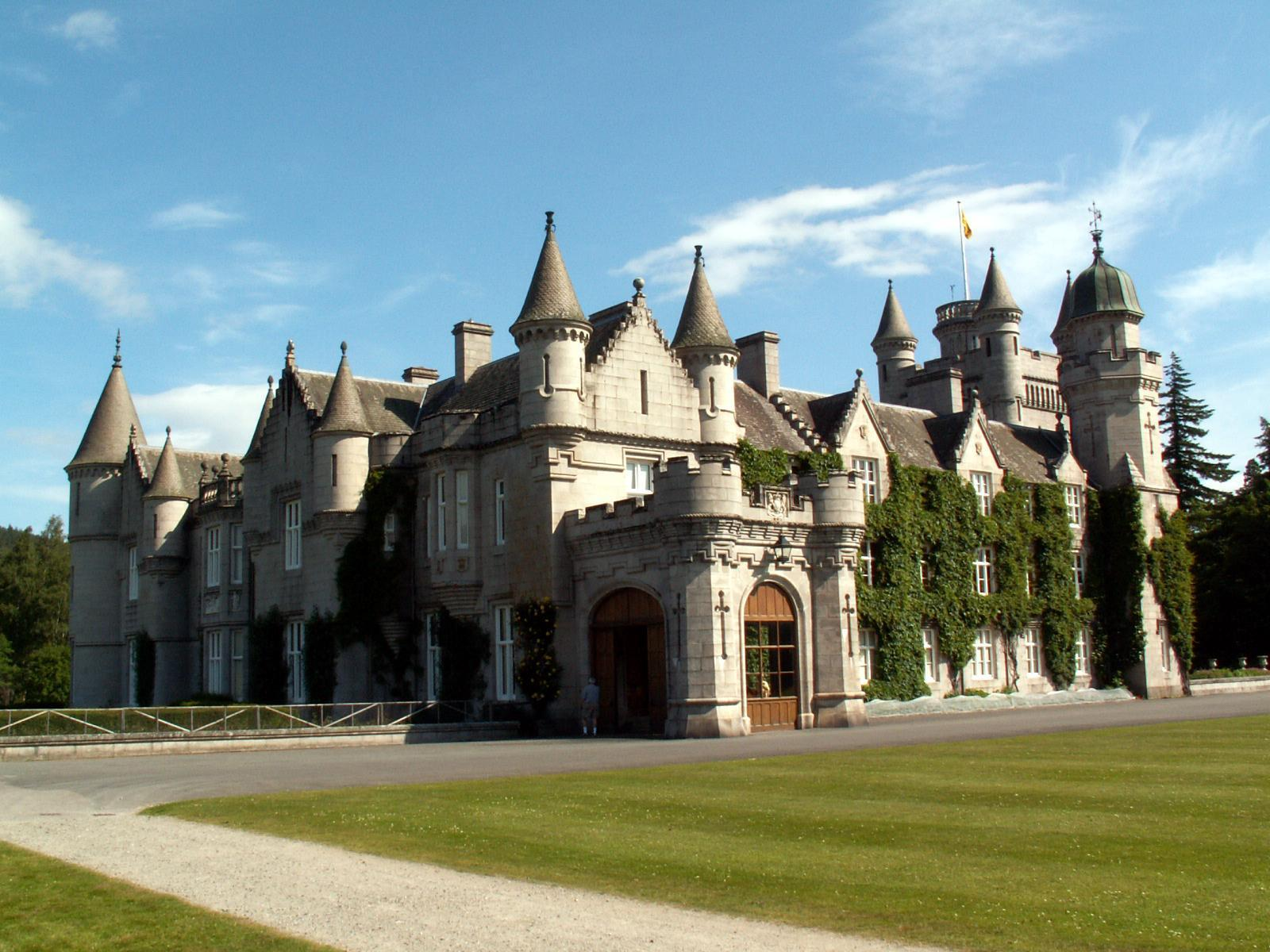 Balmoral Castle Scotland Wallpaper