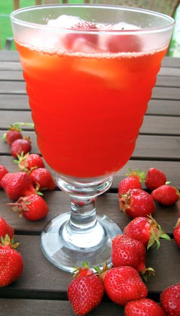 Homemade Strawberry Lemonade - Recipe