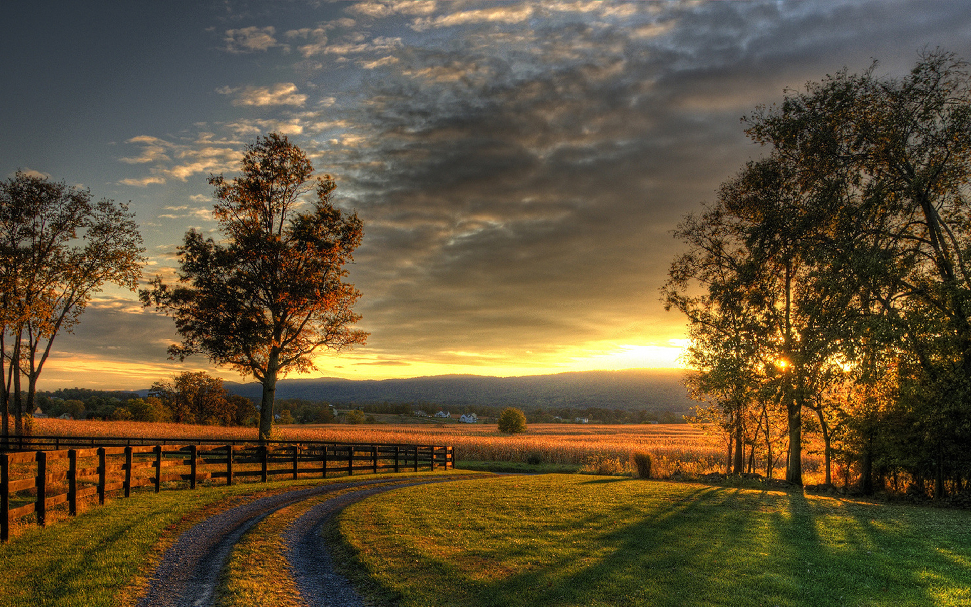 Amazing Country Sunset - Wallpaper - Faxo - Faxo