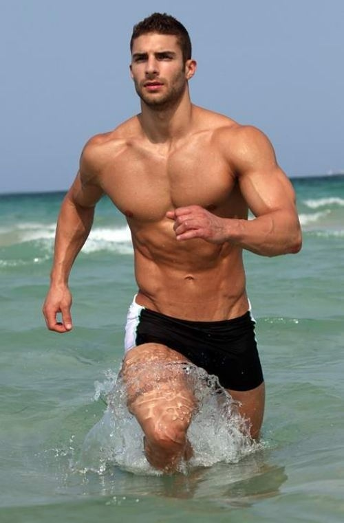 Splish Splash! Sexy Shirtless Beach Body