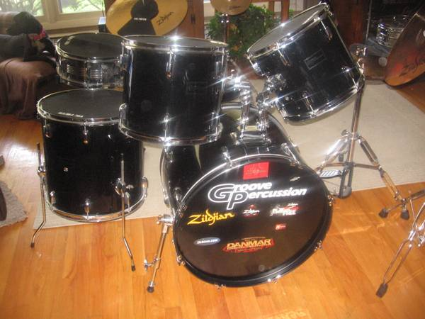 groove percussion 9 piece drum set classified ad. Black Bedroom Furniture Sets. Home Design Ideas